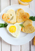 Fried egg and toasts  — Stock Photo