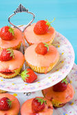 Strawberry corn cupcakes — Stockfoto