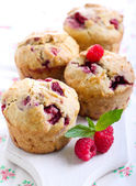 Raspberry bran muffins — Stock Photo