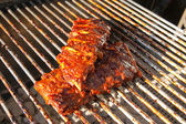 Spare Ribs auf dem Grill — Stock Photo