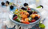 Salad with grilled prawns — Stock Photo