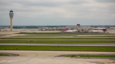 Airplane Time Lapse Airport — Stock Video