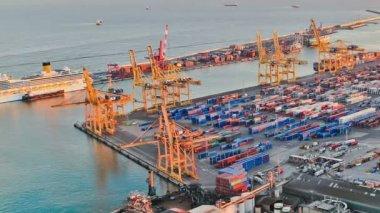 Barcelona Shipyard Time Lapse Pan — Stock Video