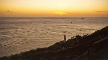 Coastline in Oahu near Waikiki durning sunset — Stock Video