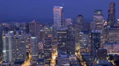 Stadtansicht von Seattle bei Nacht — Stockvideo