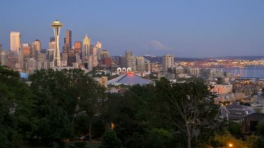Seattle cityscape at dusk — Stock Video