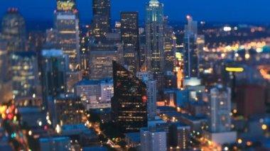 Panning Seattle cityscape at dusk — Stock Video