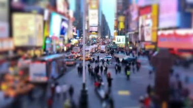 Busy city traffic  of Times Square — Stock Video