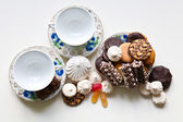 Cookies and dishware — Stock Photo