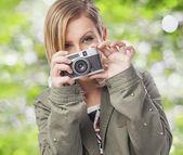 Женщина с камерой — Стоковое фото