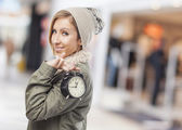 女性保持時計 — ストック写真