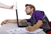 Worker falls asleep near laptop — Zdjęcie stockowe