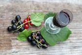 Blackcurrant liqueur — Stock Photo