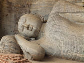 Giant statue of sleeping Buddha — Stock Photo