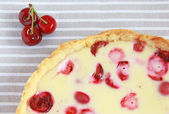 Cherry and strawberry tart with sour cream — Stock Photo