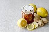 Can of citrus jam with ginger, natural medicine — Stock Photo