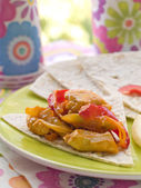 Pita with stewed peppers — Stock Photo