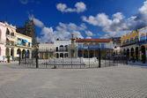 Havana plaza with fountain — Stock Photo