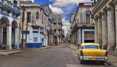 Panorama with old car in Havana street — Stock Photo