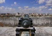 Havana skyline and cannon — Stock Photo