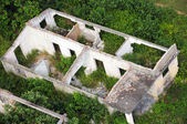 Crumbled house in cuban countryside — Stock Photo