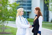 Doctor patient relationship. Handshake — Stockfoto