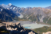 Mount Cook range with Mueller and Hooker lake — Stock Photo