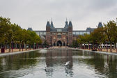 Rijksmuseum main facade and pond — Stock Photo
