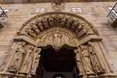 San xerome romanische gebäude eingang in santiago de compostel — Stockfoto