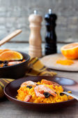 Tradition Seafood Spanish Paella in ceramic dish — Stock fotografie