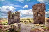 Sillustani - pre-Incan burial ground (tombs) on the shores of La — Stock Photo
