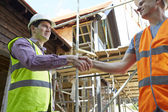 Architect Shaking Hands With With Builder — Stock Photo