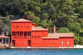 Building in Bosphorus Strait — Stock Photo