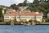 Buildings in Bosphorus Strait — Stock Photo