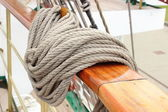 Closeup of thick ropes on sailboat — Foto de Stock