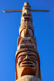 Native Totem Pole in Vancouver — Stock Photo