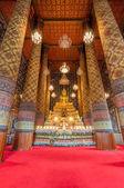 Beautiful buddha image in phra ubosot at Wat Hong Rattanaram Rat — 图库照片