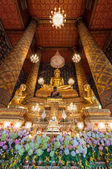 Beautiful buddha image in phra ubosot at Wat Hong Rattanaram Rat — Stock Photo