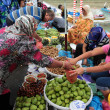 People at the market — Stock Photo #49032617
