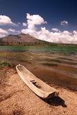 Fishing boat on Batur lake — Stock Photo