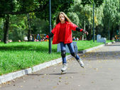 Young girl skating — Stock Photo
