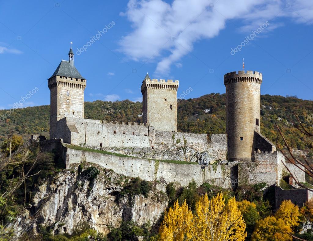 Antico castello medievale a foix ariege foto stock for Piani di casa castello medievale