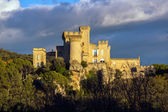 La Barben medieval castle on sunset — Stock Photo