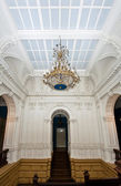 Glass ceiling with luster in old magnific palace — Foto Stock