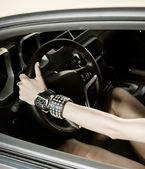 Mulher ao volante — Foto Stock