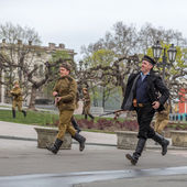 ODESSA, UKRAINE - APRIL 10: Members of the military history of t — Stock Photo