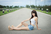 Beautiful young woman fashion model — Stock Photo