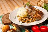 Chuleta de cerdo con puré de patatas — Foto de Stock