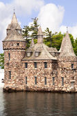 The beautiful Boldt castle on Heart Island in the St Lawrence River between Canada and the USA — Stock Photo