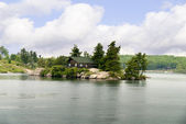 The 1000 Islands  on the St Lawrence River which borders Canada and the USA. — Photo